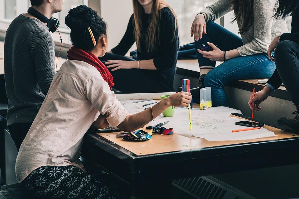 Empresas não reservam total das vagas previstas na Lei da Aprendizagem