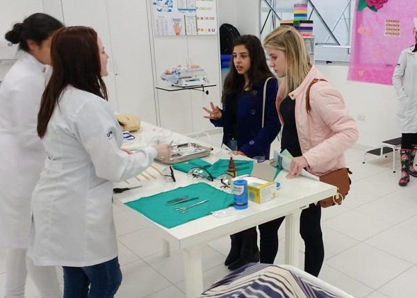 Aprendizes da ABC Vida participam de Mostra de Profissões e Carreiras