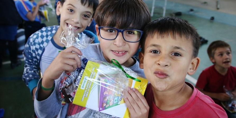 No 'Dia de Cooperar', Projeto Educa recebe apoio de voluntários do Sicredi
